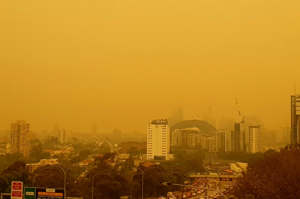 Sydney, Australia is enveloped in smoky air from catastrophic bushfires